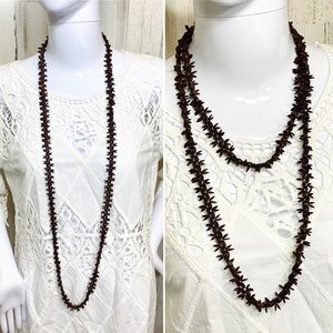 Jewelry - 🔥4/$20🔥Plastic Brown Long Garland Necklace